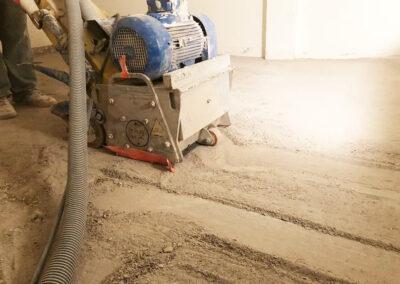 usuwanie klejów podłogowych